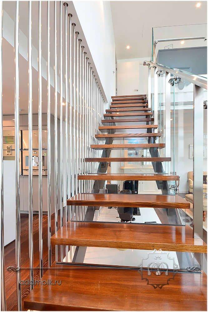 деревянная лестница в стиле хай тек